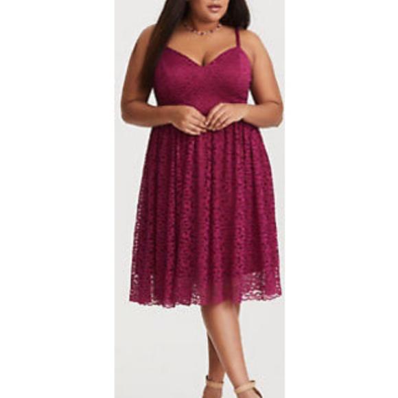 Torrid Burgundy Lace Skater Dress NWT Size 1 cd8eb4373